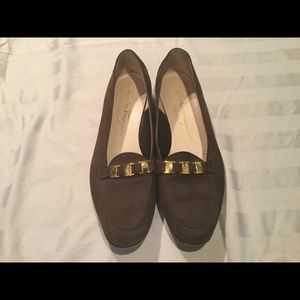 🆕 Salvatore Ferragamo brown suede loafers 👞